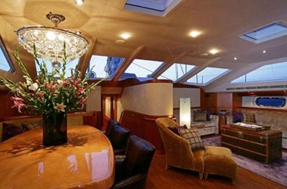 y18 Exempel på glamorös yachtinredning som kommer att förvåna dig