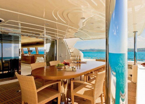 y35 Exempel på glamorösa yachtinredning som kommer att förvåna dig