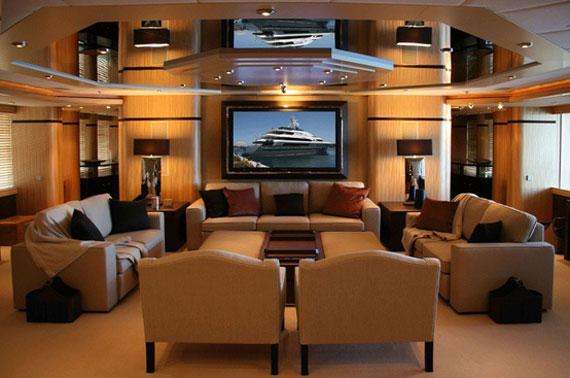 y24 Exempel på glamorös yachtinredning som kommer att förvåna dig