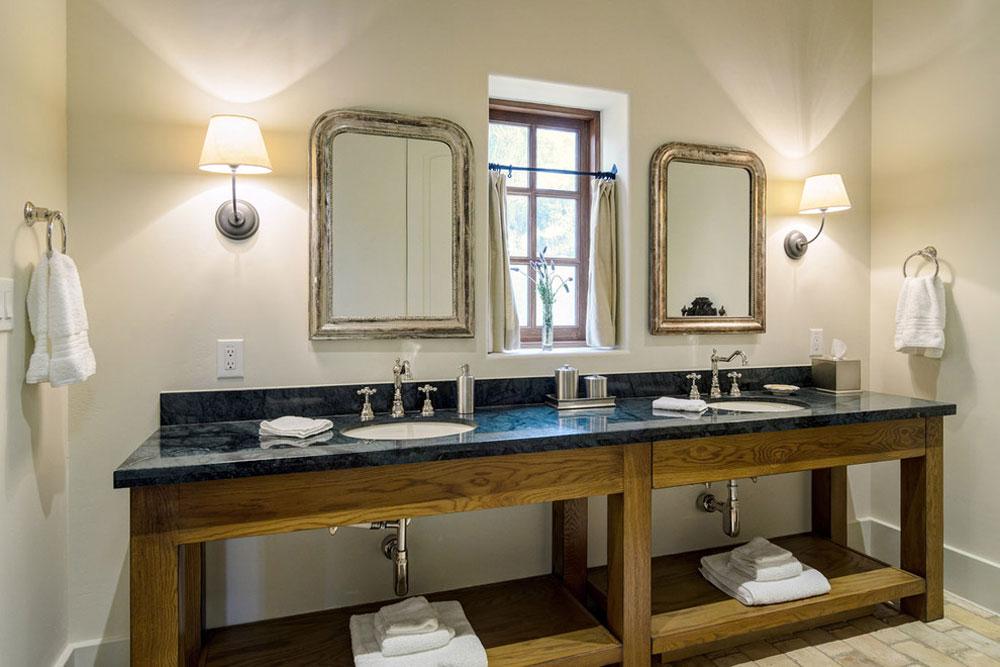 Prisbelönt Lake Travis-by-Design-Visions-of-Austin Rustik badrumsdesign: Idéer, fåfänglighet, dekor och belysning