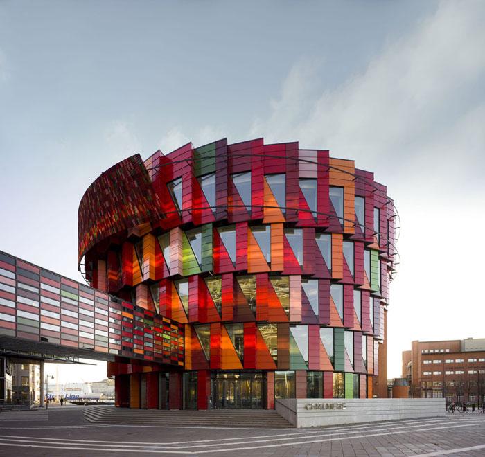 73304382621 Kontorsbyggnad med modern arkitektur som du vill arbeta i