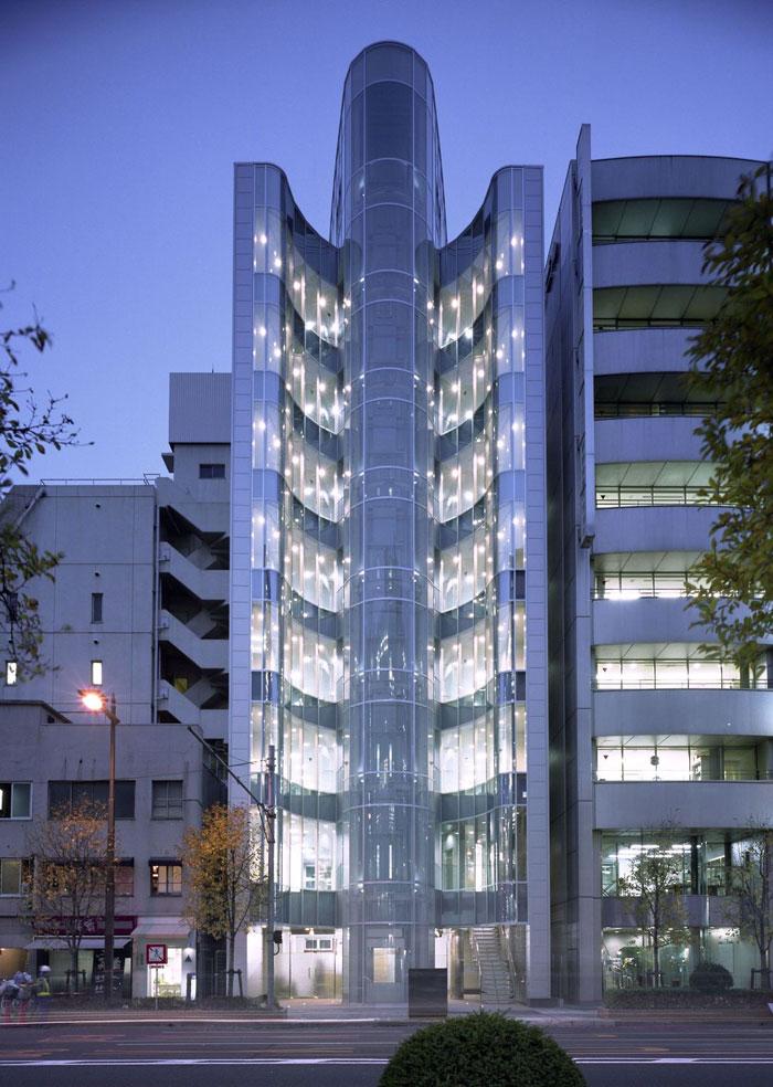 73304410012 Kontorsbyggnad med modern arkitektur som du vill arbeta i