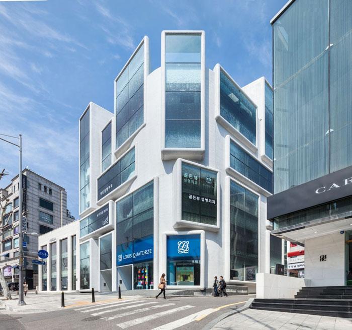 73304287901 Kontorsbyggnad med modern arkitektur som du vill arbeta i