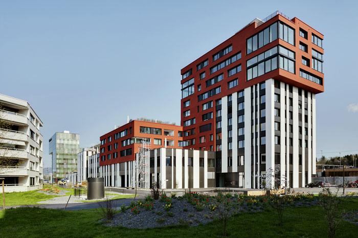 73304546572 Kontorsbyggnad med modern arkitektur som du vill arbeta i