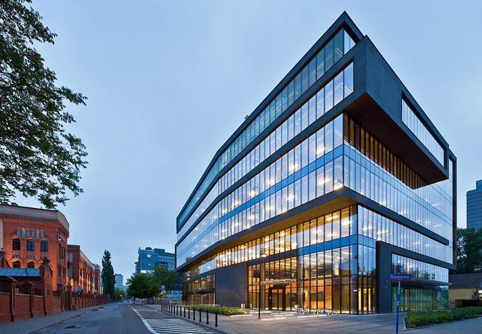 73304465889 Kontorsbyggnad med modern arkitektur som du vill arbeta i