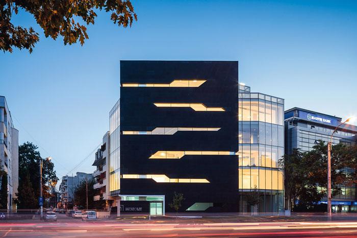 73304443335 Kontorsbyggnad med modern arkitektur som du vill arbeta i