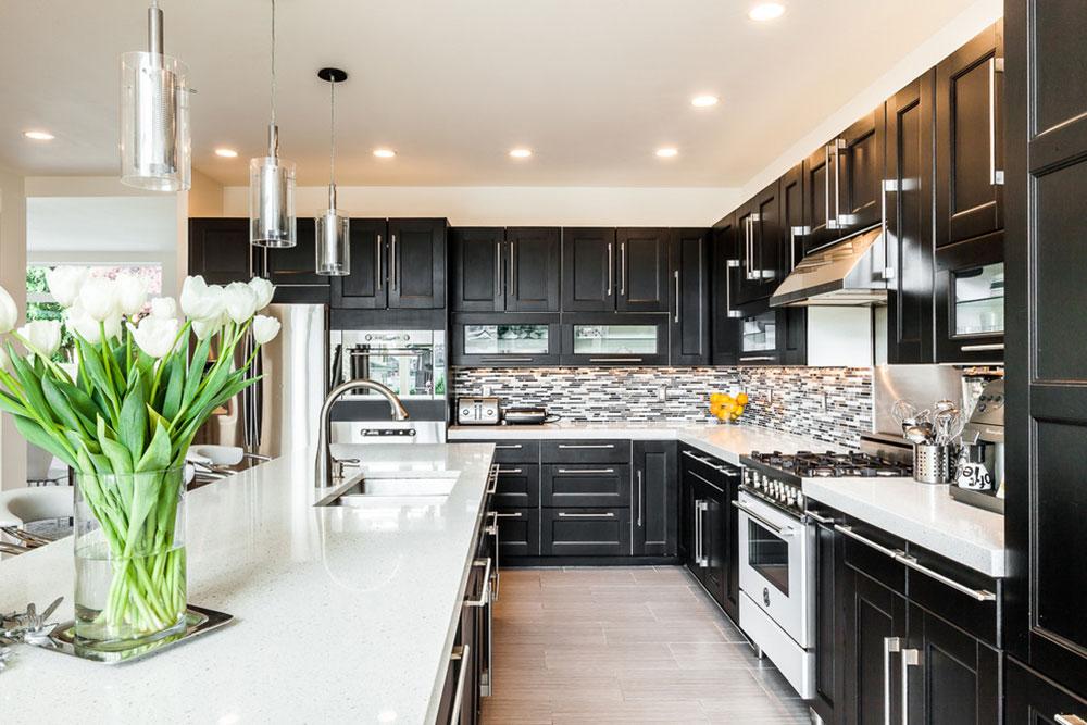 Kök med svarta skåp-kan fortfarande vara ljusa11 Kök med svarta skåp - bilder och idéer