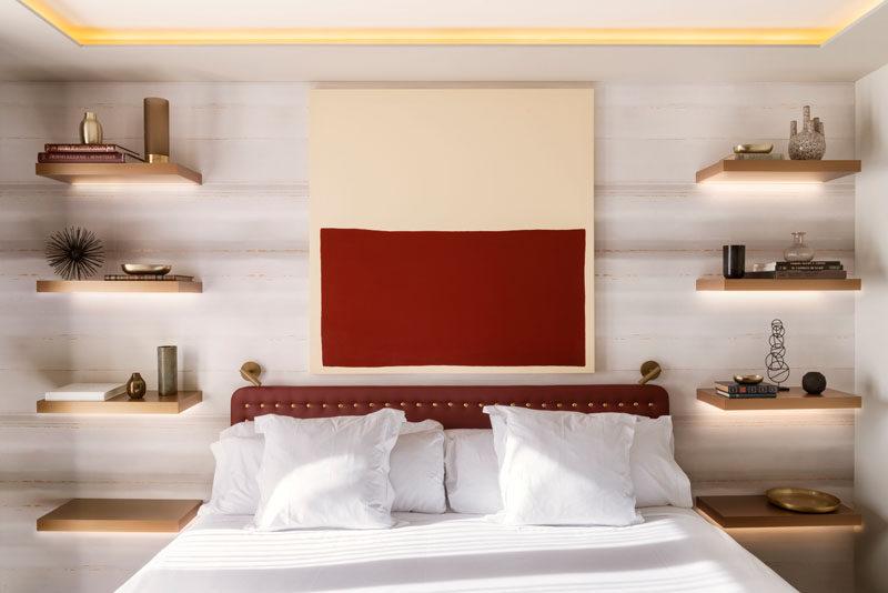 Sovrumsdesignidé - Byt ut ett sängbord och lampa med flytande hyllor och dold belysning
