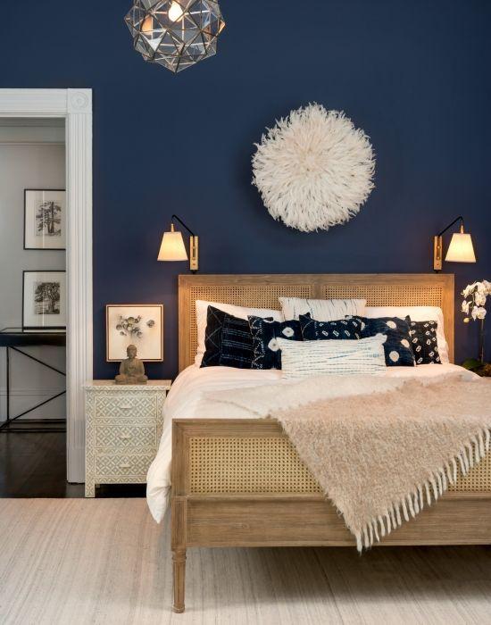 Accent vägg och sovrum inredning.  Från rik marinblå till mjukgrå, det här är färgerna / utbytet / säger kommer att vara trendiga inom hemdesign under 2017.