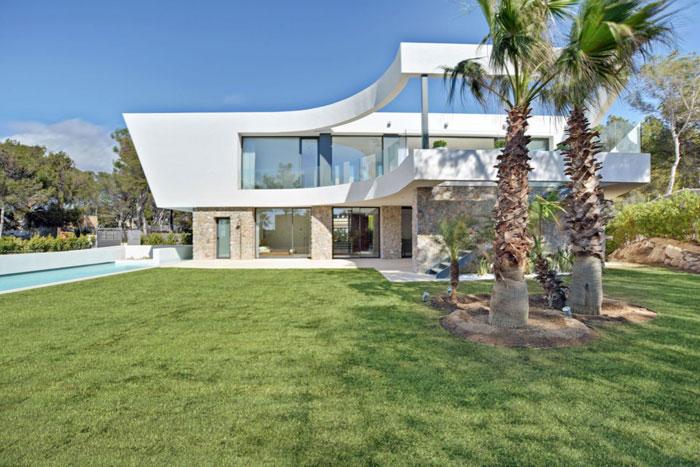 85532353777 Underbar medelhavsvilla - Malgrats Seven designad av Signature Estate