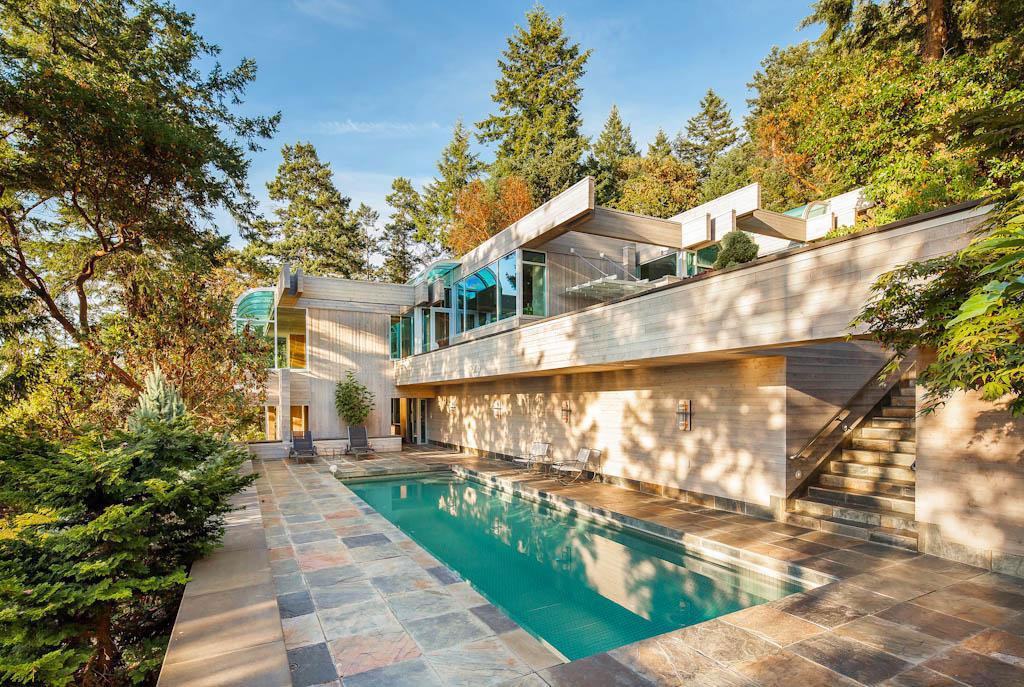 Vackert-kanadensiskt hus-med-trä-interiör-1 Vackert-kanadensiskt-hus med-träinredning