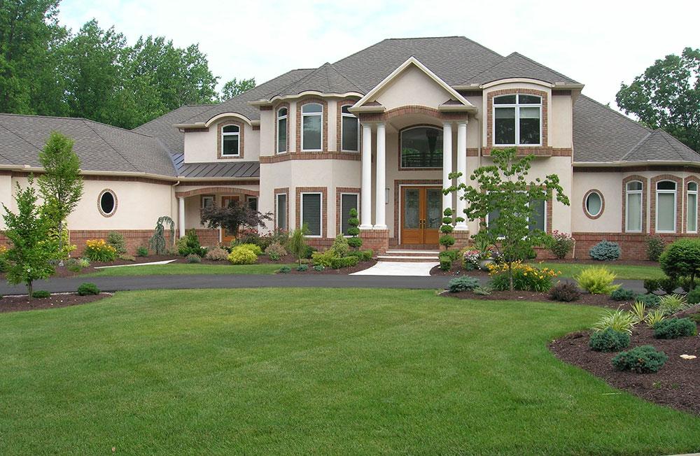 Bostadsgräsmatta Hur man utformar din gräsmatta som en golfbana