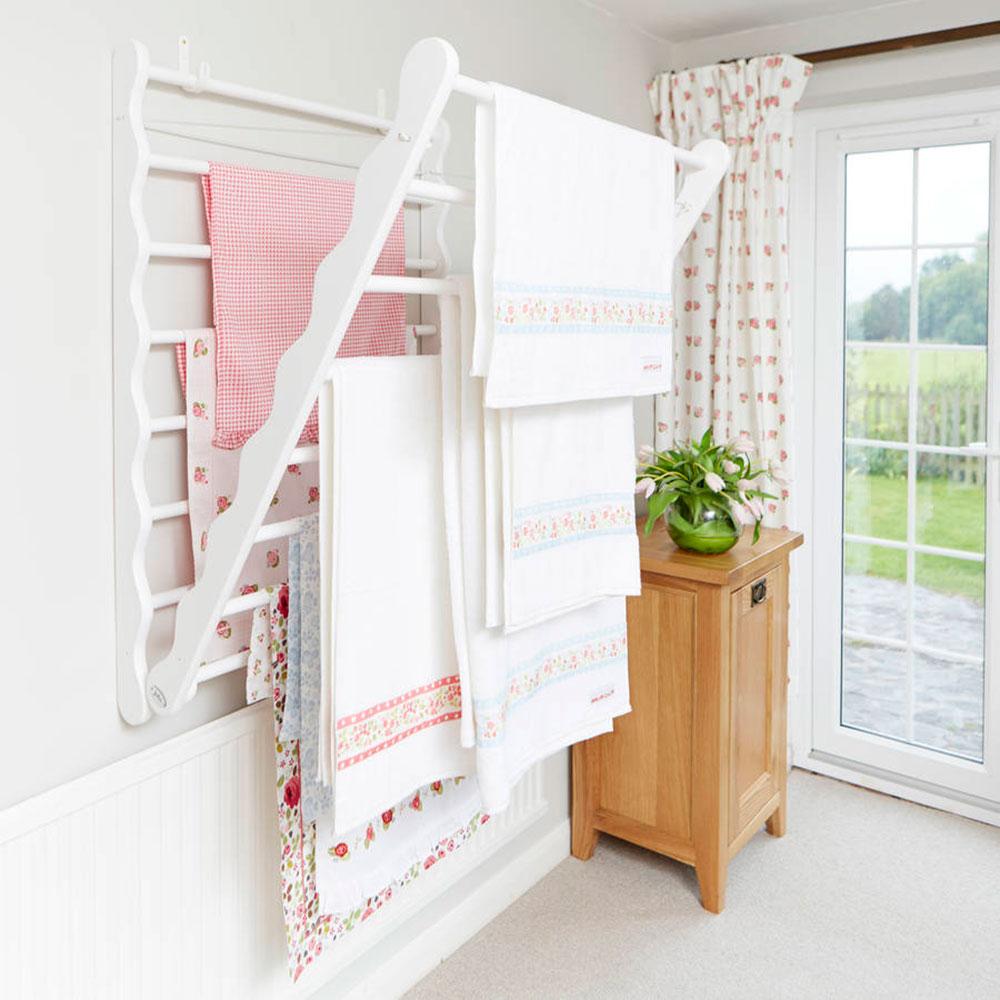 original_tvätt-stege-i-furu Hur man sparar mer utrymme genom att välja den bästa klädhästen