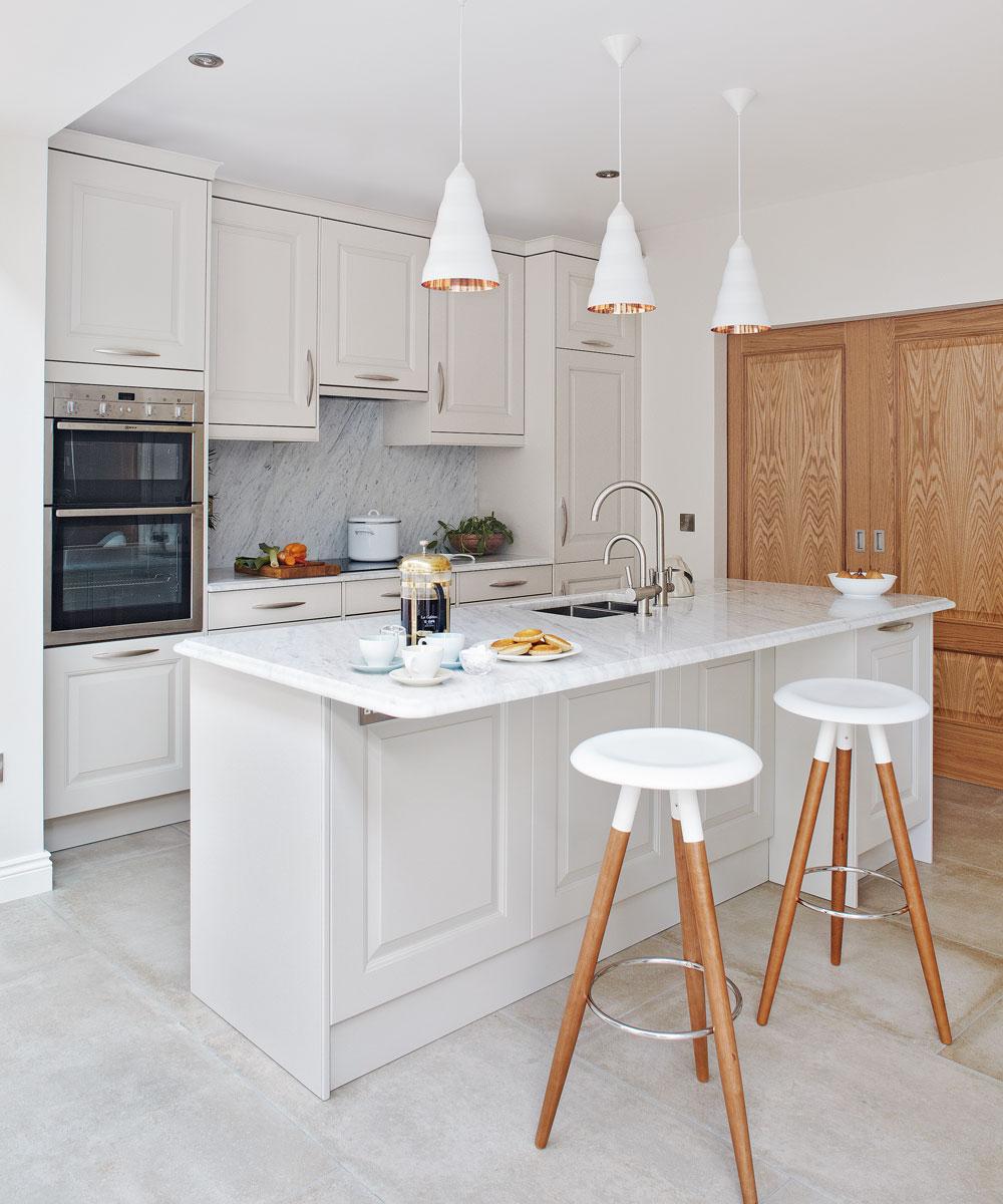 Enkel organisering av köksskåp