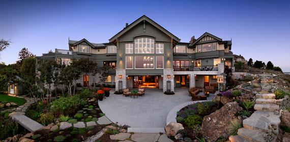 v1 Maclure-stil Ocean-Front Home Windward Oaks av Michael Knight