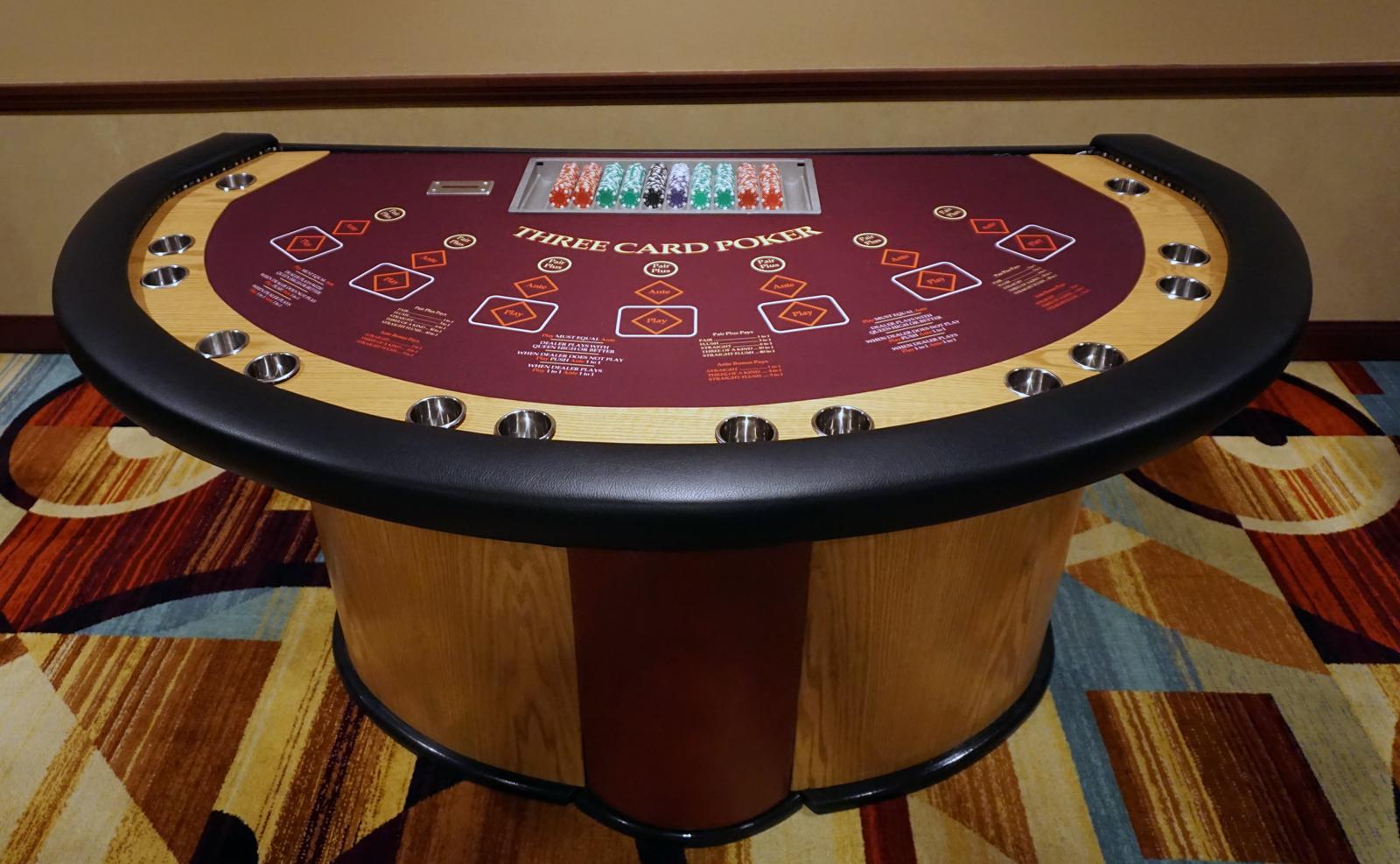 Poker- och kortsbord
