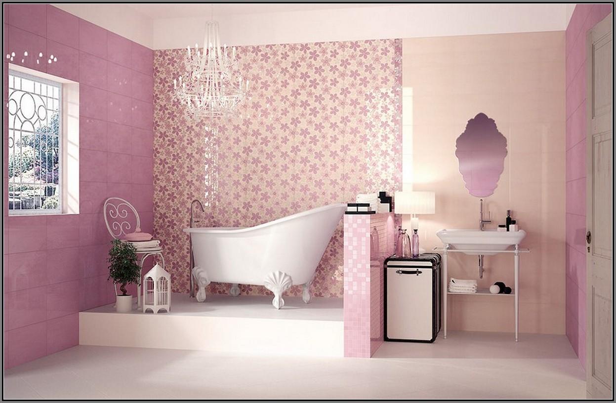 Trevligt rosa badrum