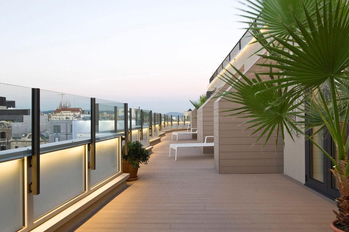 Rymlig takvåning-med-en-fin-balans-mellan-möbler-och-interiör-dekorationer-1 Rymlig takvåning med-en-fin-balans-mellan-möbler-och-interiör-dekorationer