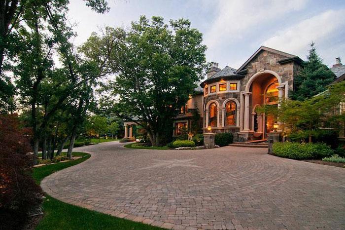 84912503922 Vacker herrgård med traditionell inredning - Holladay Estate