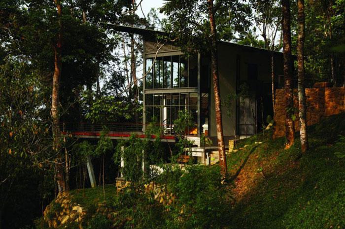 73517546199 Vackert däckhus i skogen Designad av Choo Gim Wah Architect