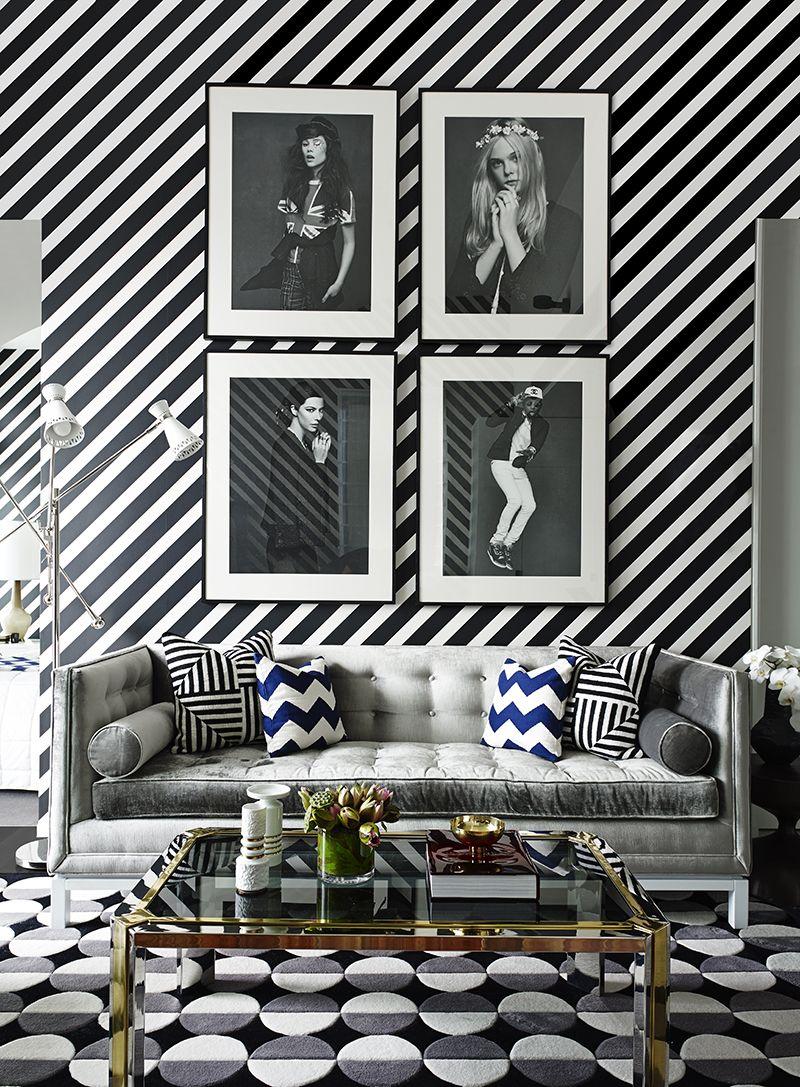 Trevligt vardagsrum i geometrisk stil.