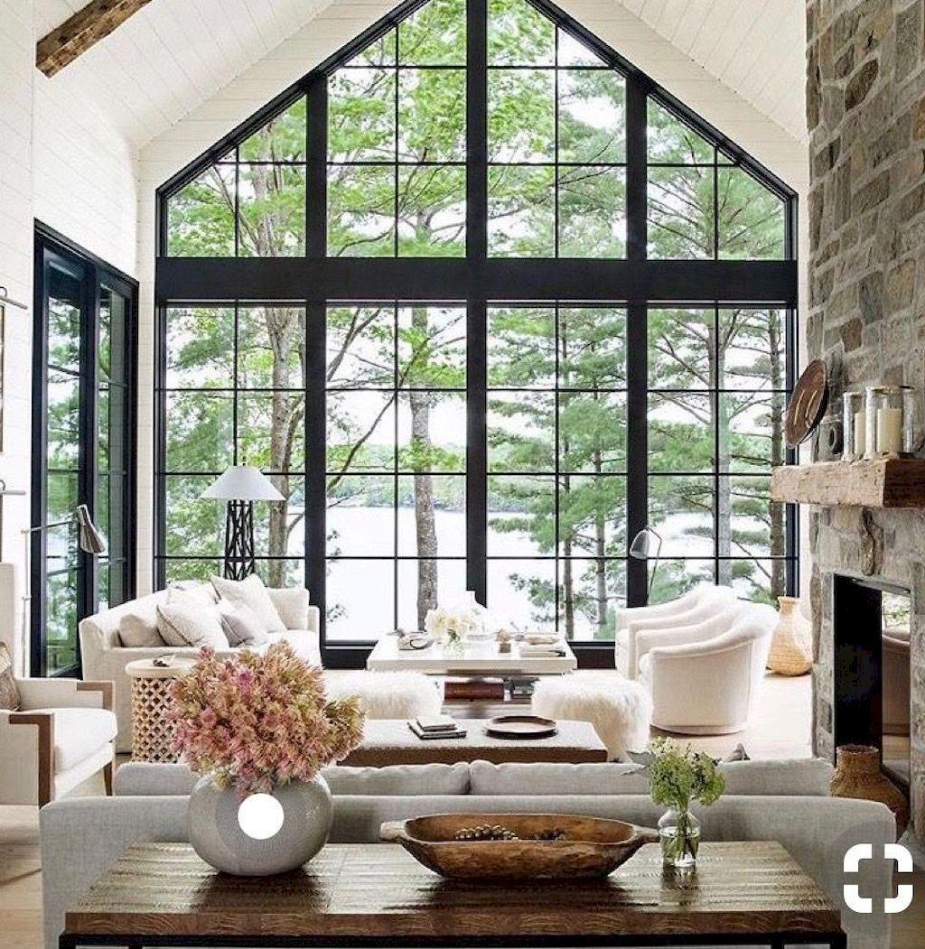 Elegant och modernt hem med en rustik exteriör
