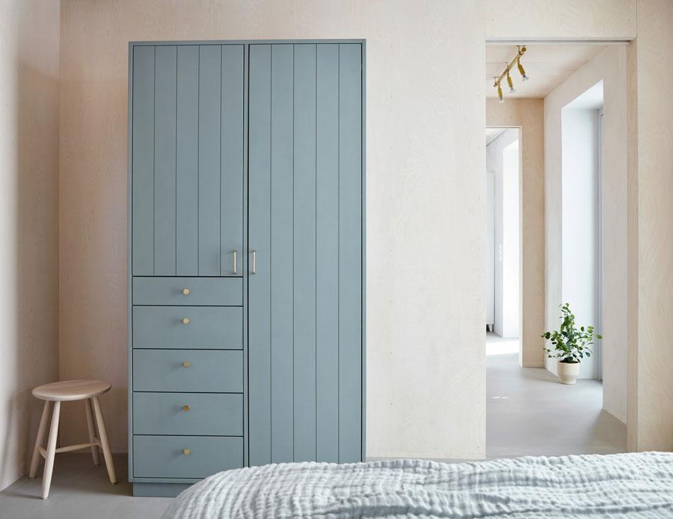 En guide för att välja vackra möbler i massivt trä till ditt sovrum