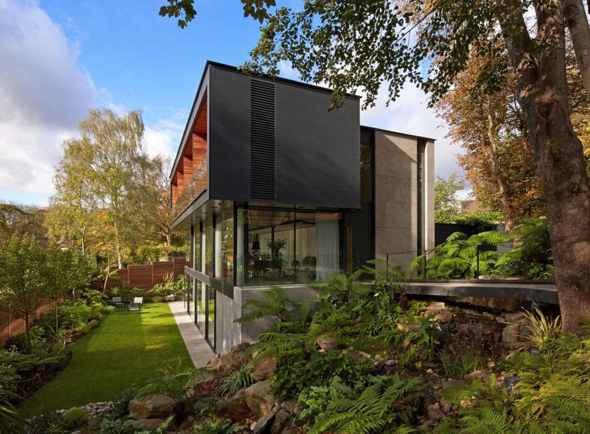 Engelskt hus med modernistisk arkitektur designad av Stanton Williams