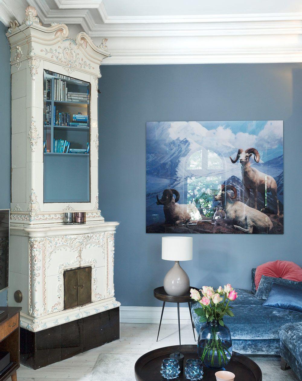 Exempel på vardagsrum dekorerade med blått