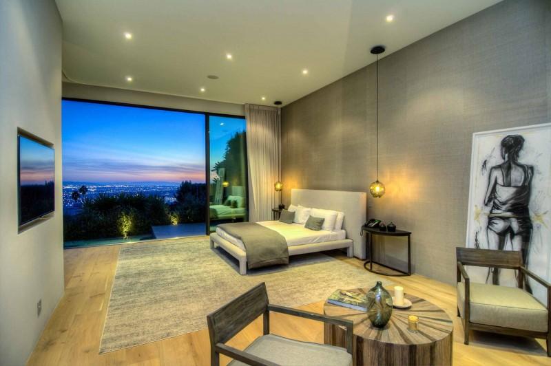 Fantastiskt Los Angeles hem med fantastisk utsikt från La Kaza och Meridith Baer Home
