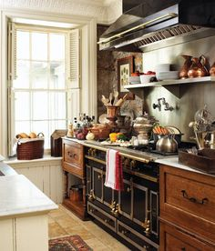 Franska lantliga kök: dekor, skåp, idéer och gardiner