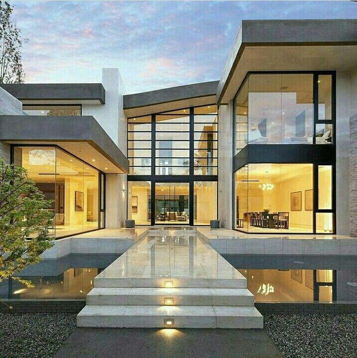 Hem med vacker arkitektur och inredning av McClean Design