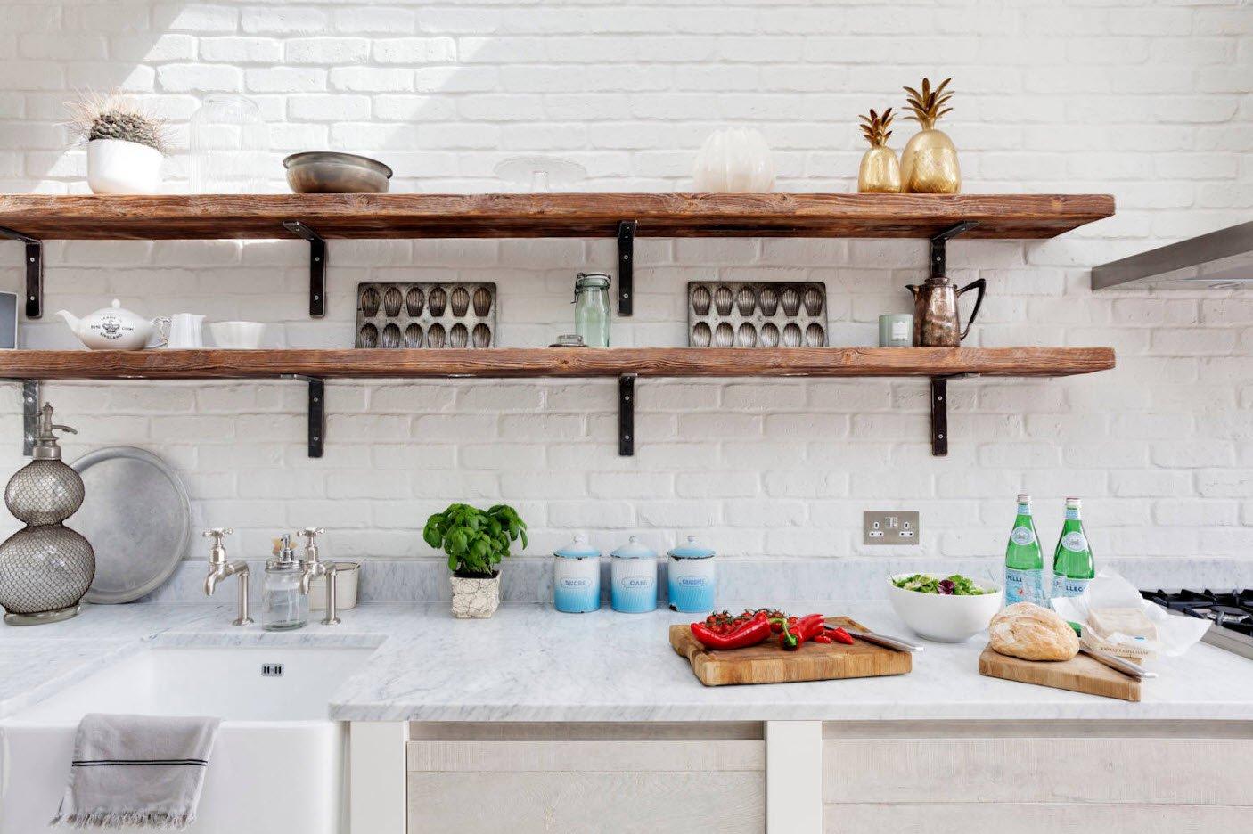 Kökshyllor: idéer för flytande, utdragbara och väggmonterade hyllor