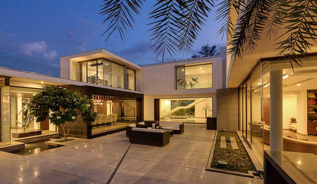 Lyxig Center Court Villa designad av DADA Partners