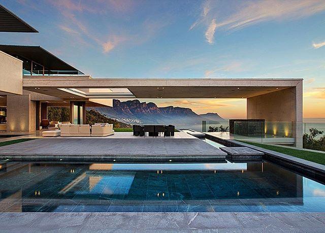 Lyxig modern bostad designad av SAOTA och Studio Parkington