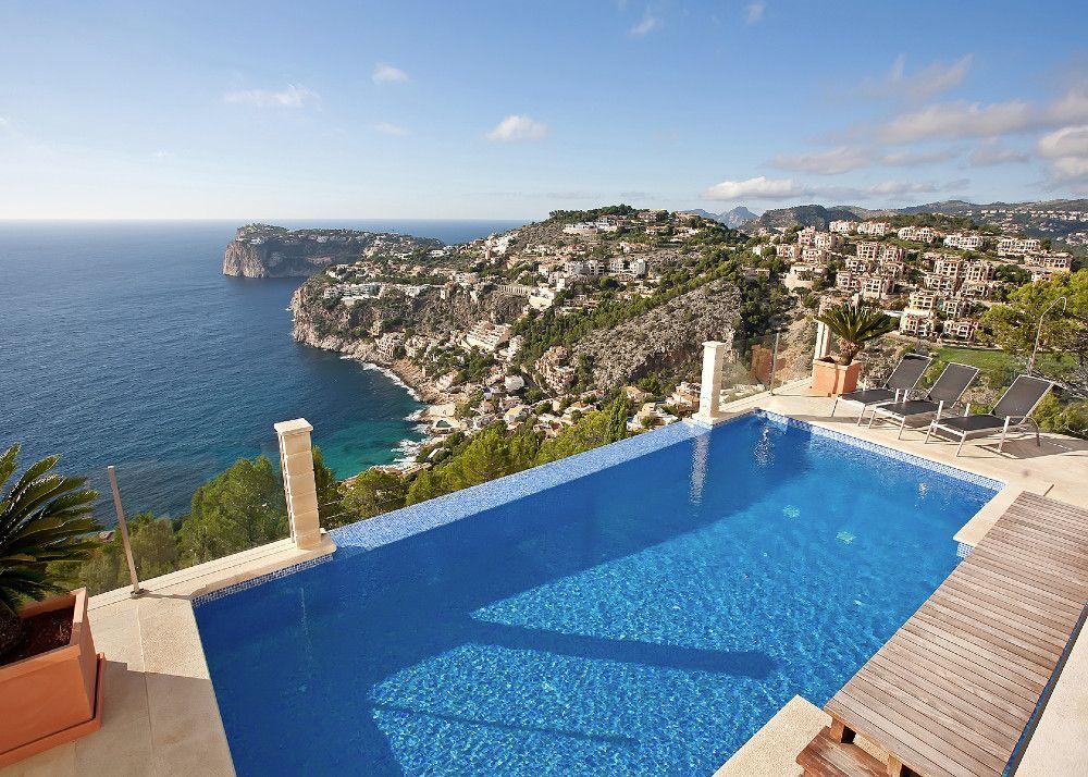 Lyxig villa vid havet med fantastisk utsikt