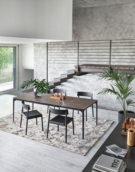 Matbord i glas som ger en modern touch till din inredning