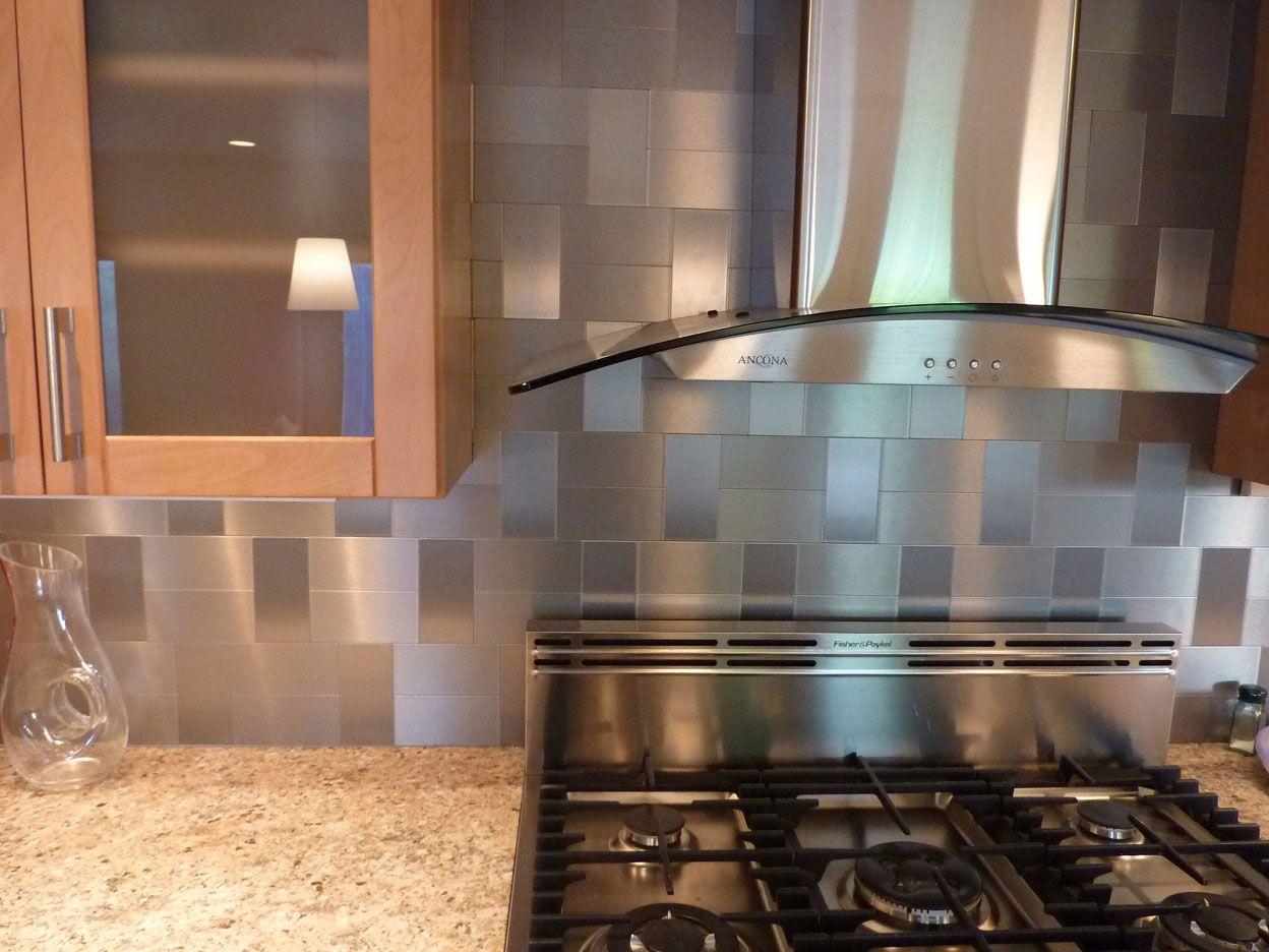 Metal Kitchen Backsplash Idéer