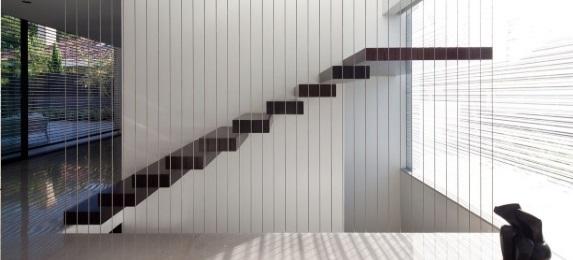 Moderna och utsökta flytande trappkonstruktioner