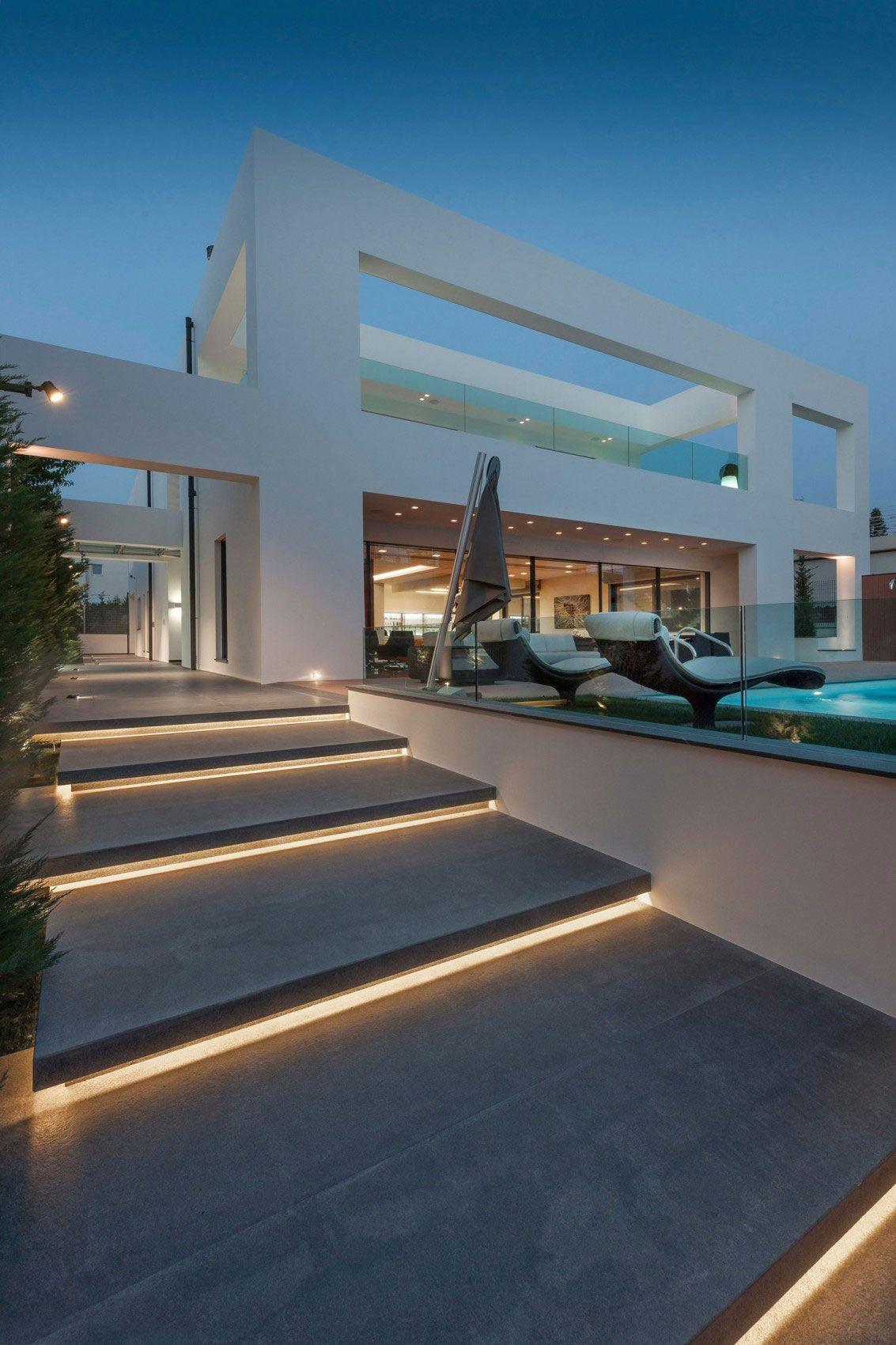 Modernt familjehus av Dolihos Architects
