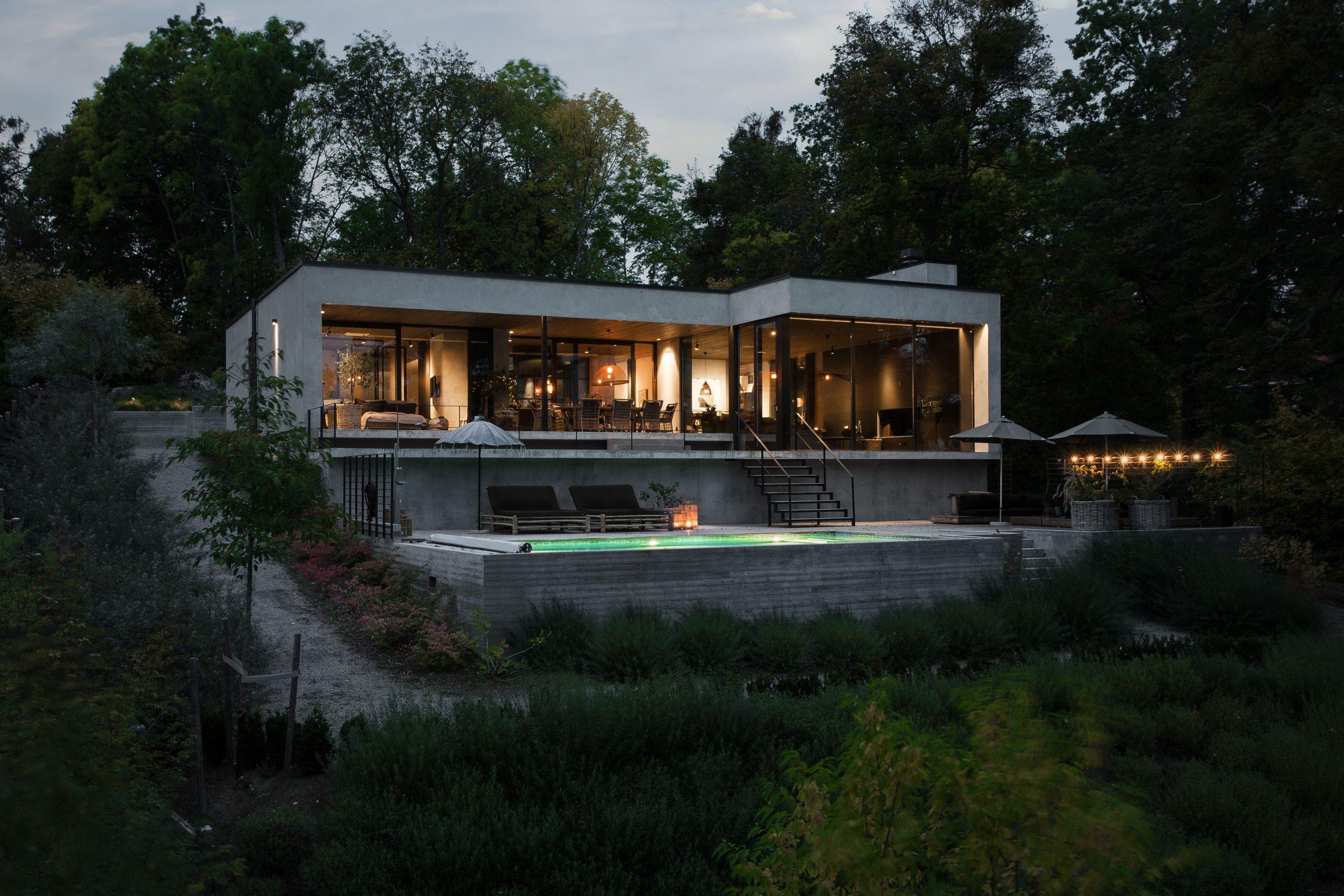Modernt hus som är vackert både ute och inne