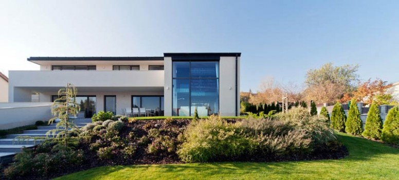 Modernt sommelierhus, designat av Sandor Duzs och Architema