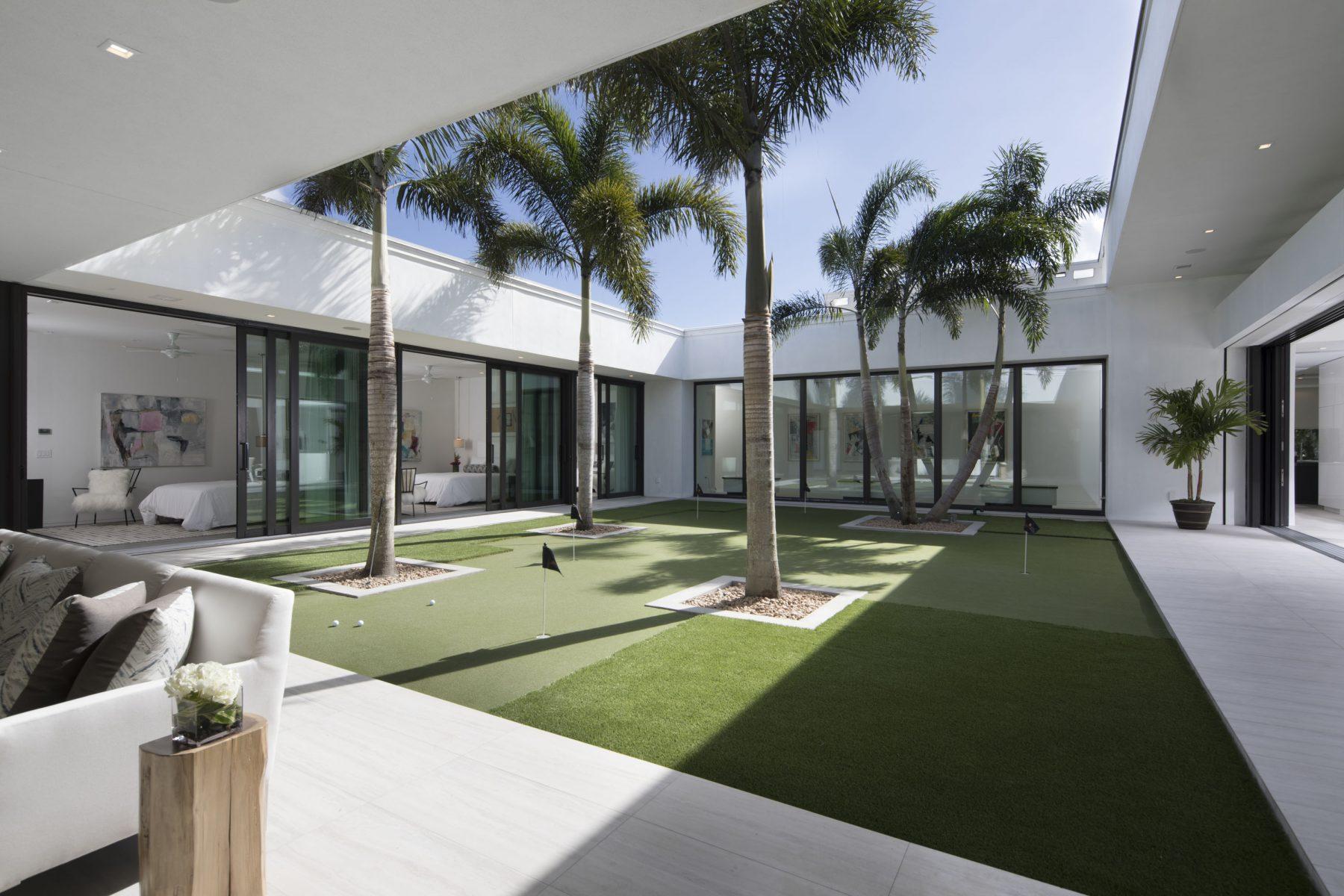Nytt modernt hem från Phil Kean-design med underbar inredning