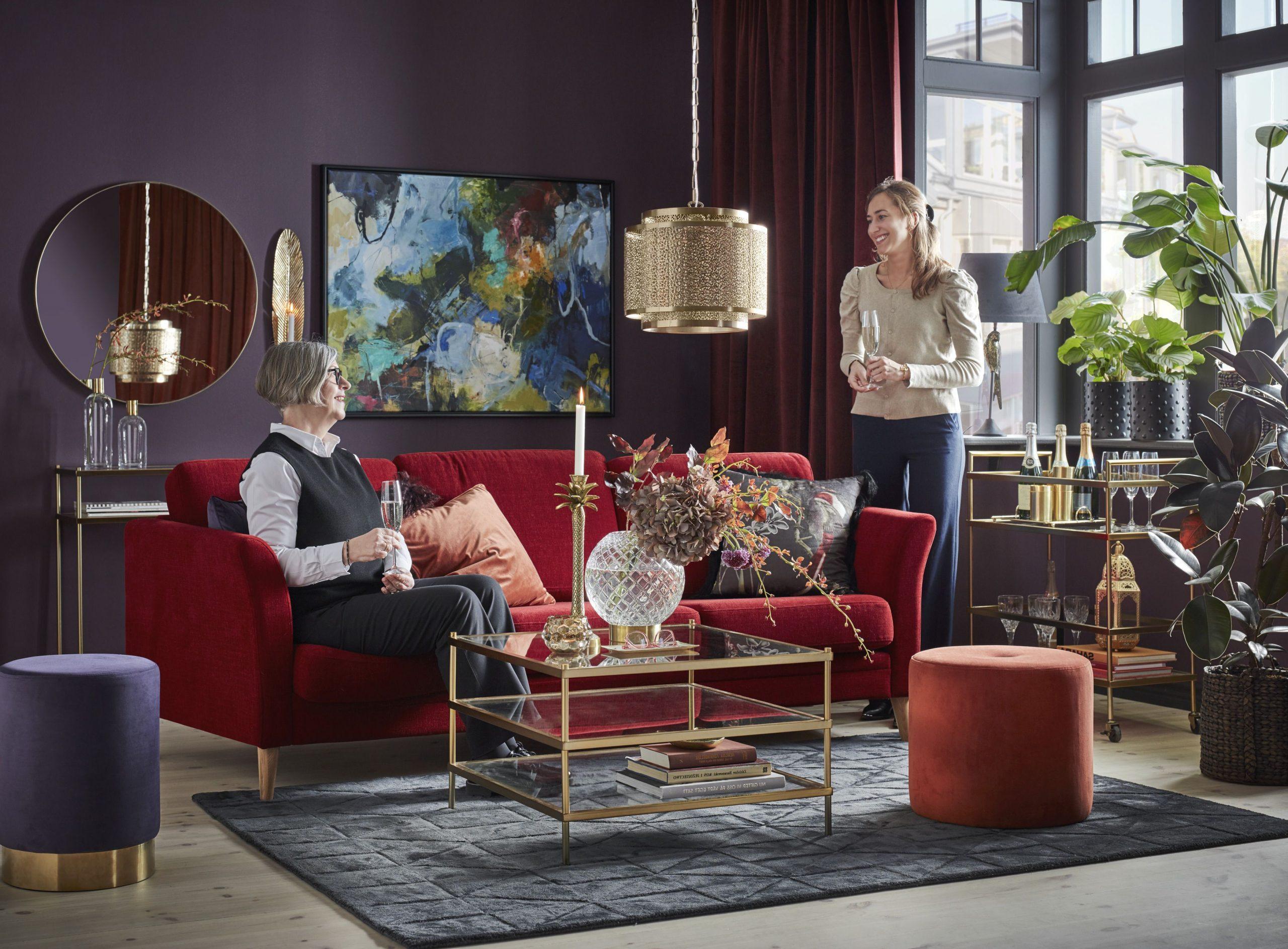Röda soffa vardagsrum idéer