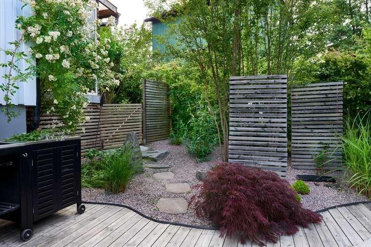 Skapa en unik trädgård med dessa designidéer för trädgårdsdammar