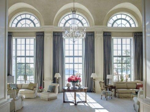 Vacker villa med traditionell inredning – Holladay Estate